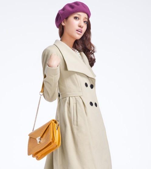 太平鸟女装冬新款大翻领腰间褶皱中长款呢大衣外套